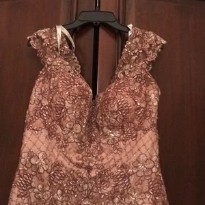 Mon Cheri Dresses - Gorgeous gold gown dress, never used